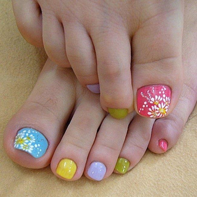 Дизайн ногтей на ногах в домашних условиях