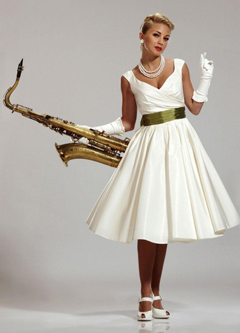 ТОП-15 самых модных платьев этого лета фото 2.