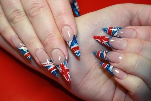 маникюр британский флаг