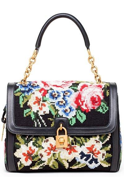 Вышитая сумка от Dolce & Gabbana.