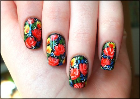 Маникюр с цветами