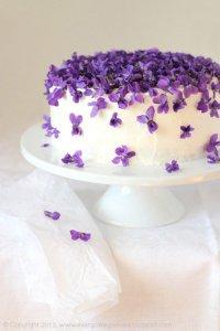 Идея для украшения торта: торт с цветами
