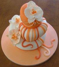 Оригинальный свадебный торт в оранжевой гамме