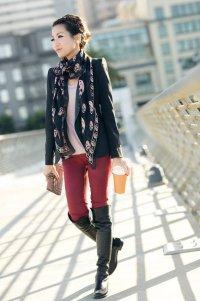 Стильный осенний образ 2012: бордовые джинсы-скинни