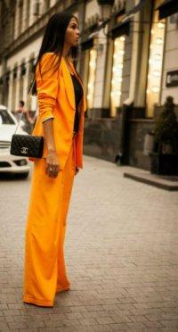 Какой цвет делового костюма выбрать: оранжевый