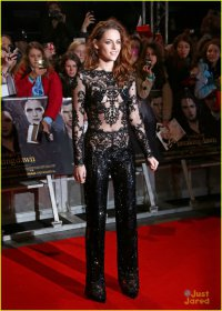 Кристен Стюарт на премьере фильма «Сумерки. Сага. Рассвет. Часть 2» в Лондоне