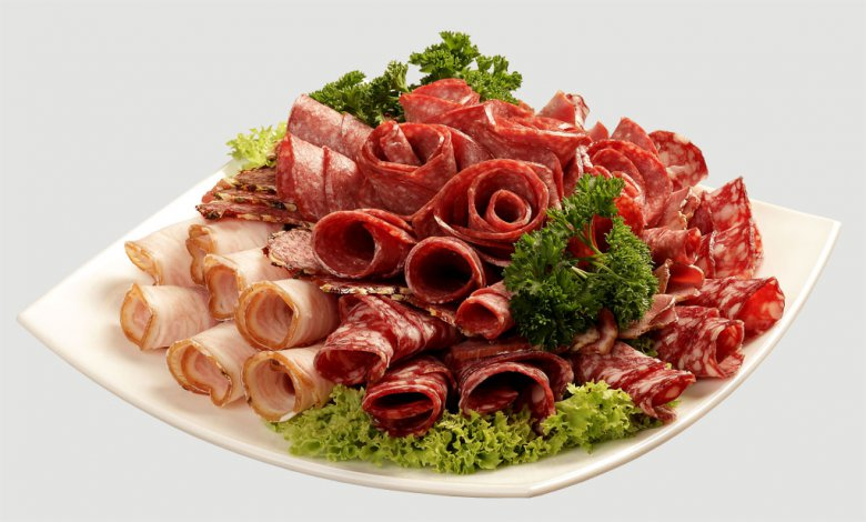 Оформление мясной нарезки завитки и