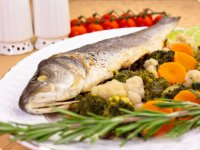 Блюдо на Новый год: сибас на пару с овощами