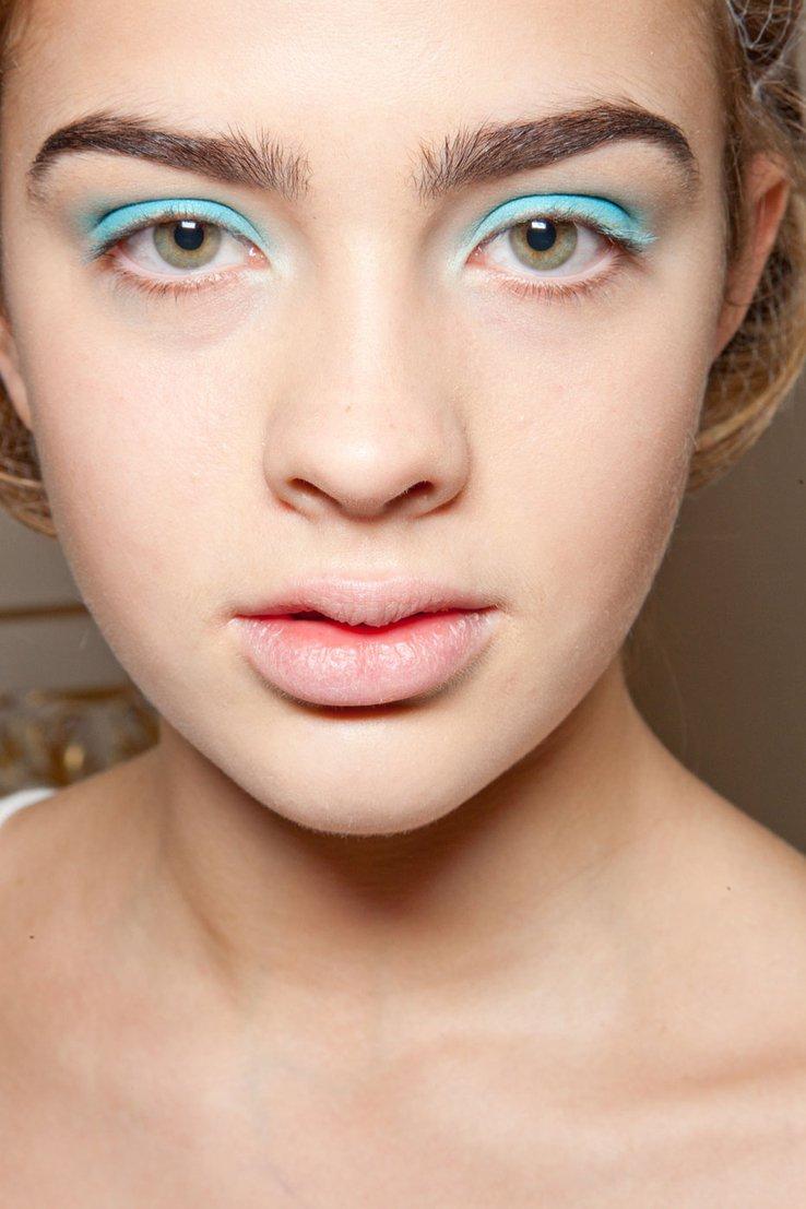 Летние макияж для светлых глаз