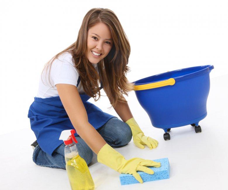 уборка с чистящими средствами