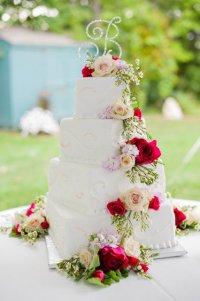 Украшение свадебного торта цветами