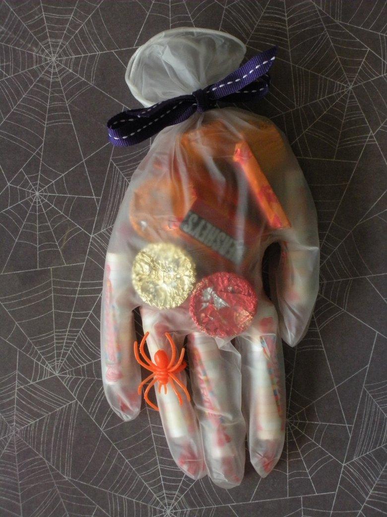 Простые мешочки для сладостей на Хэллоуин
