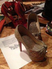 Кристиан Лубутен сделал туфельки для Мисс Пигги