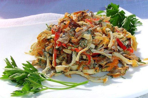 Необыкновенный салат с крабовыми палочками