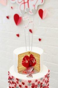 Несколько идей, как подать свадебный торт
