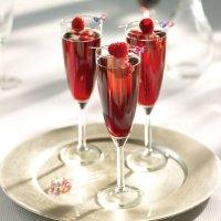 Коктейль на День святого Валентина «Кир Рояль»