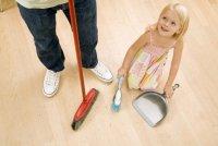 Как научить ребенка помогать вам по хозяйству