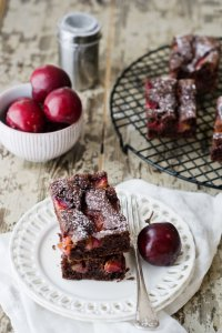 Постный вишнево-шоколадный кекс