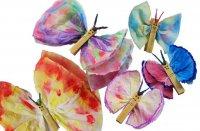 Простая поделка с ребенком: бабочки