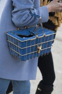 Первые модницы мира выбирают... корзинки из супермаркета