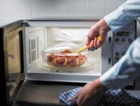 Какие продукты не стоить класть в микроволновку