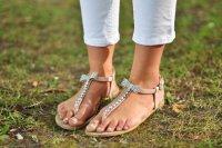 Как выбирать летнюю обувь