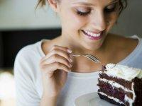 Как сидеть на диете и лакомиться десертами