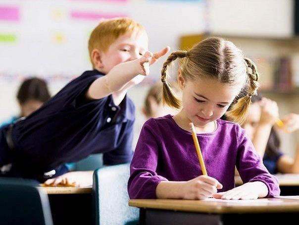 Ребенок не хочет идти в школу: что делать?