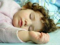 Что поможет уложить ребенка спать днем