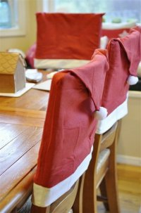 Идея для украшения стульев на Новый год