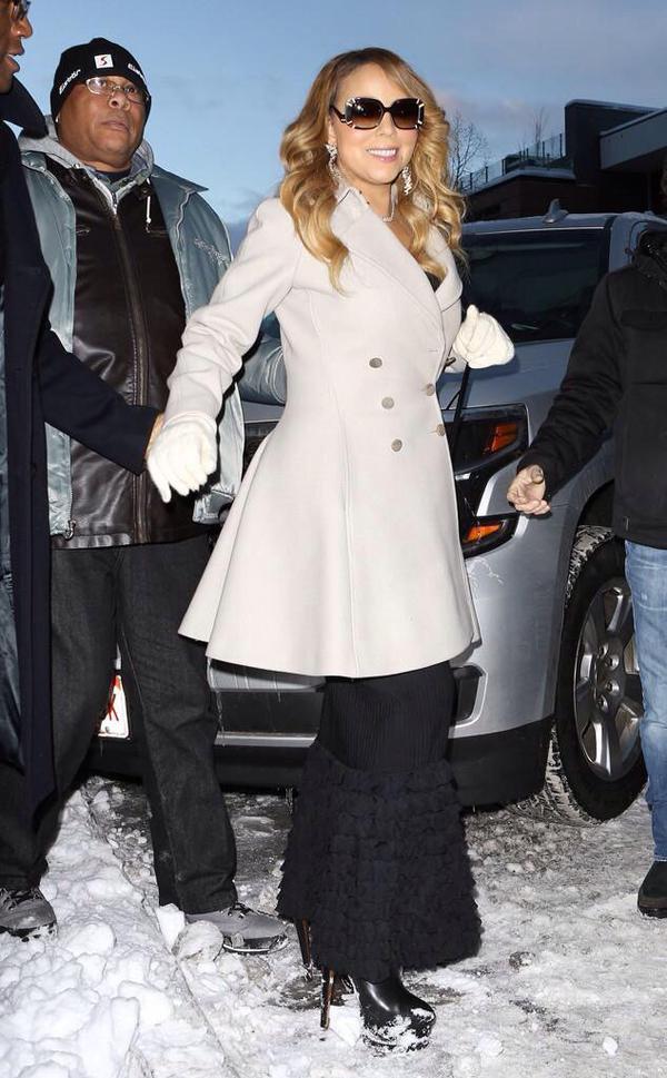 Одежда для зимы: звездный пример от Мэрайи Кери