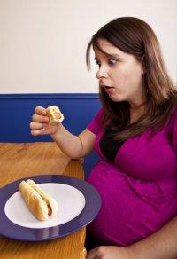 Что делать, если не хочется есть во время беременности