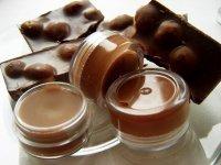 Домашний шоколадный бальзам для губ своими руками