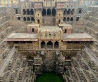 Каменные колодцы Индии