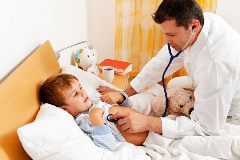 Что делать, если ребенок боится врачей?