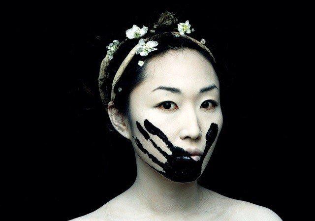 Черно-белый грим на Хэллоуин