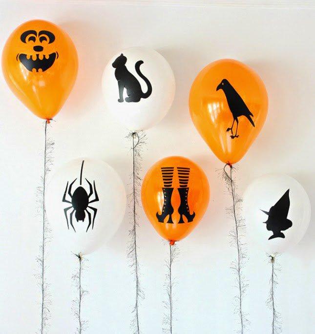 Украшение дома шариками на Хэллоуин