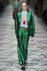 Мода 2016: экстравагантные деловые костюмы