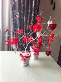 Идея на День святого Валентина: дерево с валентинками