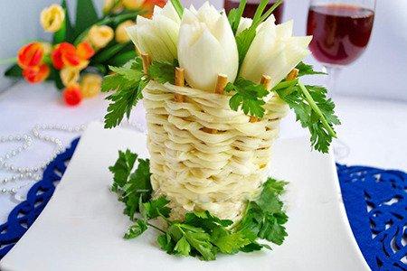 Корзинка из сулугуни для салатов
