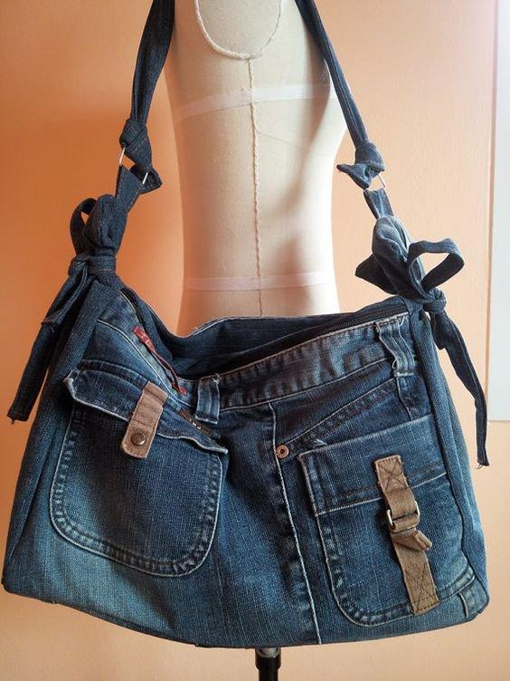 Апсайклинг: новая сумка из старых джинсов