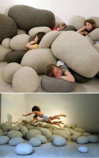 Подушка-камень