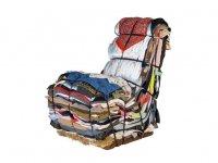 Кресло из старой одежды