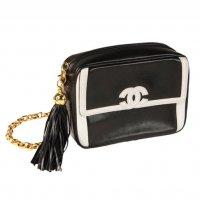 Винтажные сумки Chanel в Podium Concept Store