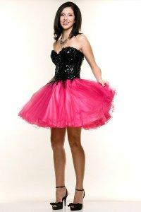 Модное короткое платье на выпускной 2012