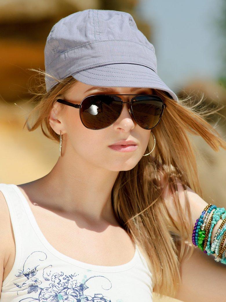 С чем модно носить кепку?