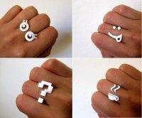 Необычные кольца: смайлики и чашки с кофе на ваших пальцах