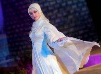 """Жена Рамзана Кадырова продемонстрировала коллекцию одежды """"Леди Чечня"""""""