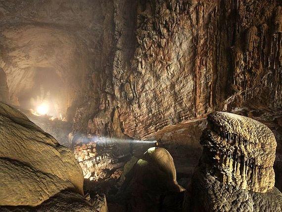 Самая большая пещера в мире: Пещера Горной Реки во Вьетнаме
