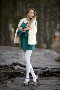 Платье и колготки: плохой или хороший вкус